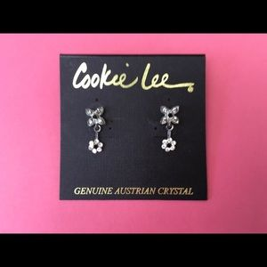 Pretty Dangling Earrings With Austrian Crystals